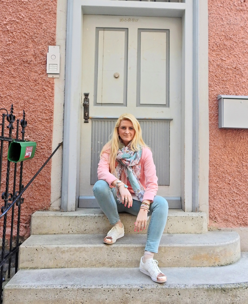 Adidas Metal toe blogger Pastell Spring Look carrieslifestyle Mint Rosè Schal