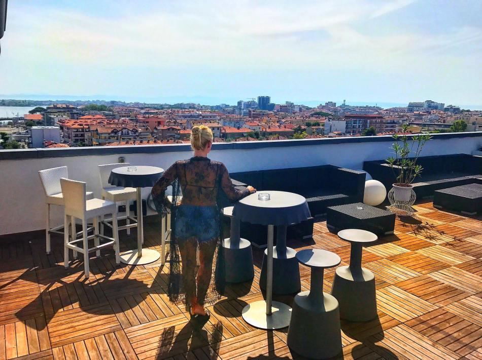 Grado-Laguna-Palace-Hotel-Italy-Roadtrip-Rooftop-View-carrieslifestyle-Tamara-Prutsch