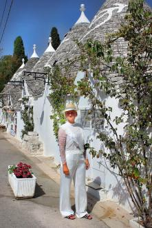 Alberobello-Trulli-Puglia-Apulien-carrieslifestyle-Tamara-Prutsch
