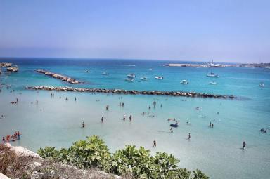 Otranto-PUglia-Apulien-Beach-Strände-carrieslifestyle-Tamara-Prutsch-Grotta-della-Poesia