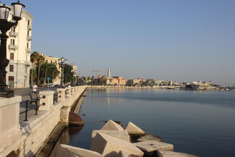 Bari-Roadtrip-Rooftop-Bar-carrieslifestyle-Tamara-Prutsch-Swimsuit-Puglia-Apulien