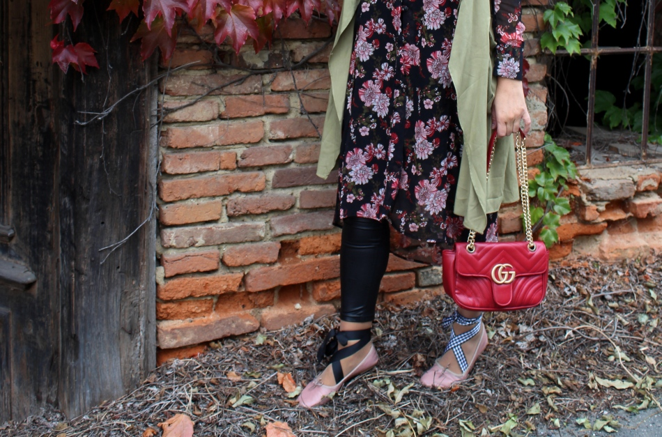 Tunikakleid-Vest-MiuMiu-Ballerina-Treggings-Gucci-Bag-carrieslifestyle-Tamara-Prutsch