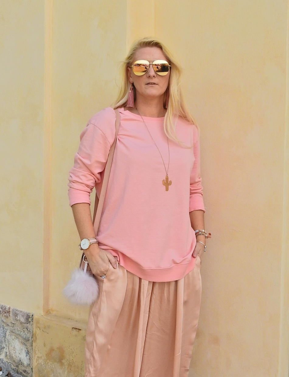 Rosegold-Allinpink-Culottes-Sweater-Daniel-Wellington-Watch-carrieslifestyle-Tamara-Prutsch
