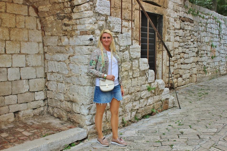 Porec-Kroatien-Familytrip-Reiseblog-carrieslifestyle-Jeansrock-Denim-Skirt-Bomberjacket-Stefano-Lungo-Watches