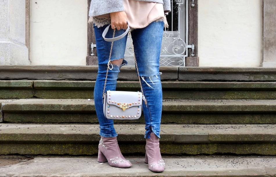 Studded-Bag-Boots-Samt-Velvet-carrieslifestyle-Tamara-Prutsch