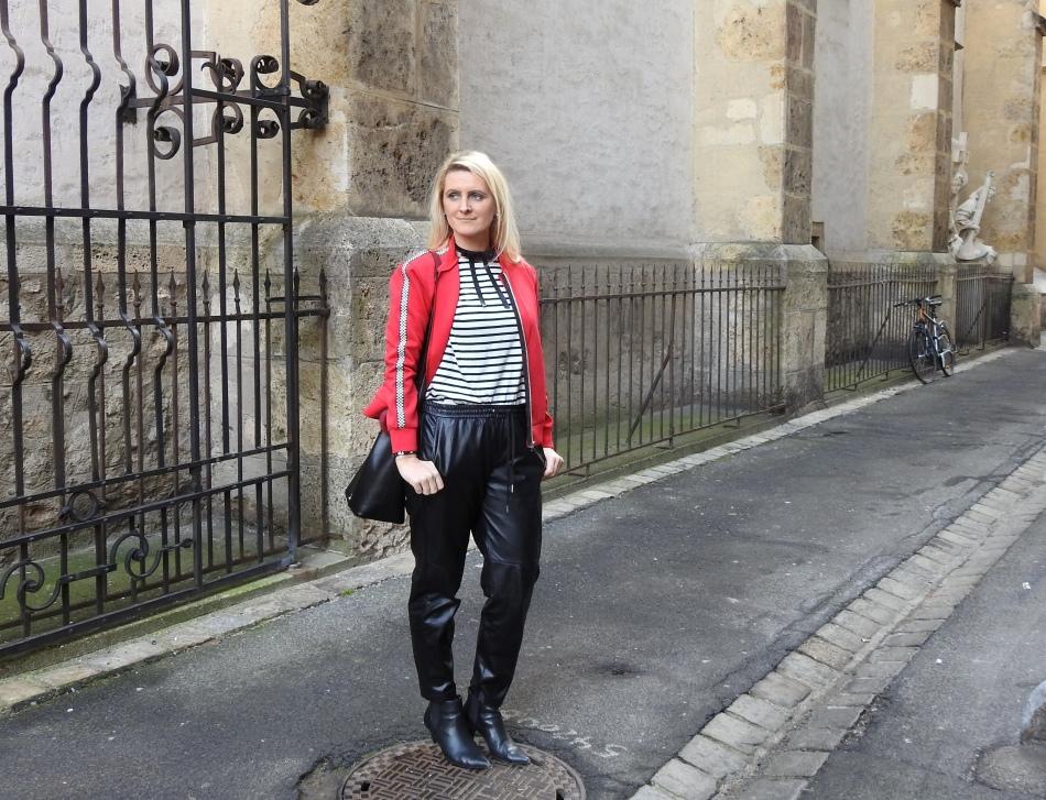 Bomberjacke-Bomberjacket-Leatherpants-Boots-Stripes-Striped-Shirt-Choker-carrieslifestyle-Tamara-Prutsch