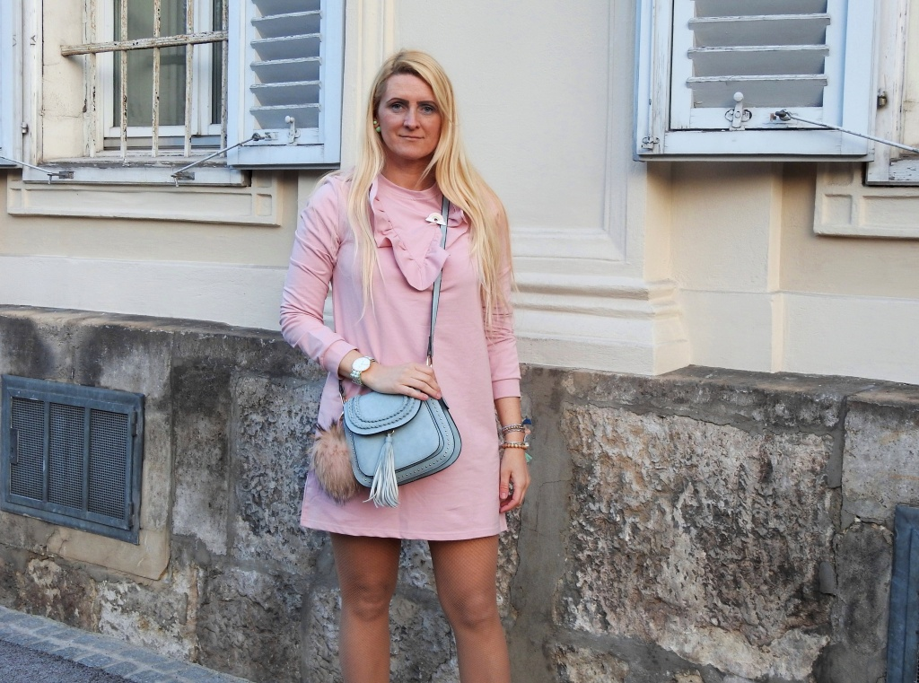 Pastellfarben-Rose-Pink-Dress-Sweatshirtkleid-Chloe-Bag-Sneakers-Adidas-Superstar-Plante-Sports-Spring-Look-carrieslifestyle-Tamara-Prutsch